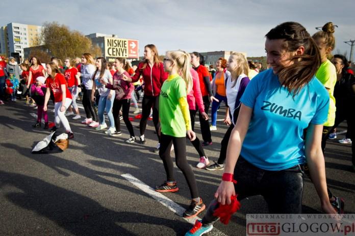 2014-11-08 Maraton Zumba Fitness Tańcz i pomagaj @Parking Tesco (fot.P.Dudzicki) 27