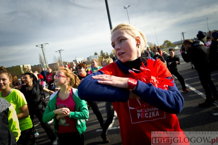 2014-11-08 Maraton Zumba Fitness Tańcz i pomagaj @Parking Tesco (fot.P.Dudzicki) 28