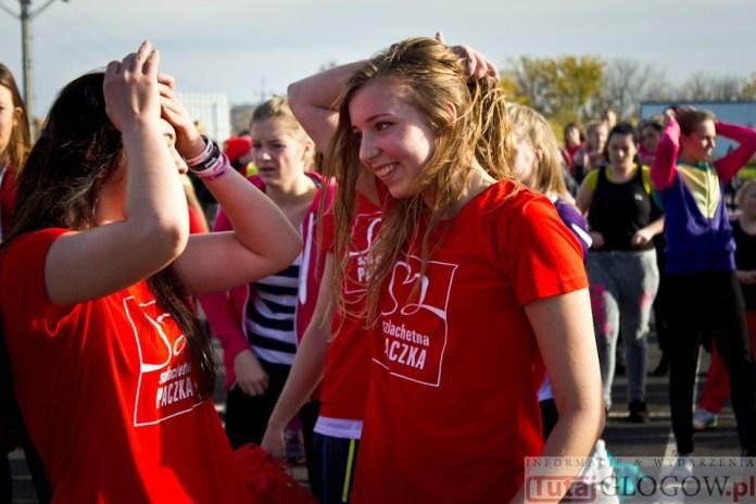2014-11-08 Maraton Zumba Fitness Tańcz i pomagaj @Parking Tesco (fot.P.Dudzicki) 42