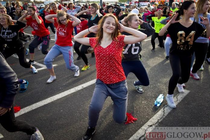 2014-11-08 Maraton Zumba Fitness Tańcz i pomagaj @Parking Tesco (fot.P.Dudzicki) 48