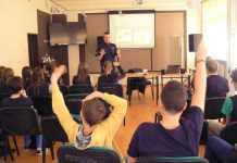 2015-03-21-pogadanka o cyberprzemocy-policja@Głogów