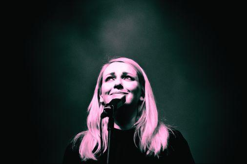 Zdjęcie Nosowskiej 2015-04-10 Koncert Nosowskiej MCK Mayday Głogów (Fot.P.Skrzydło)
