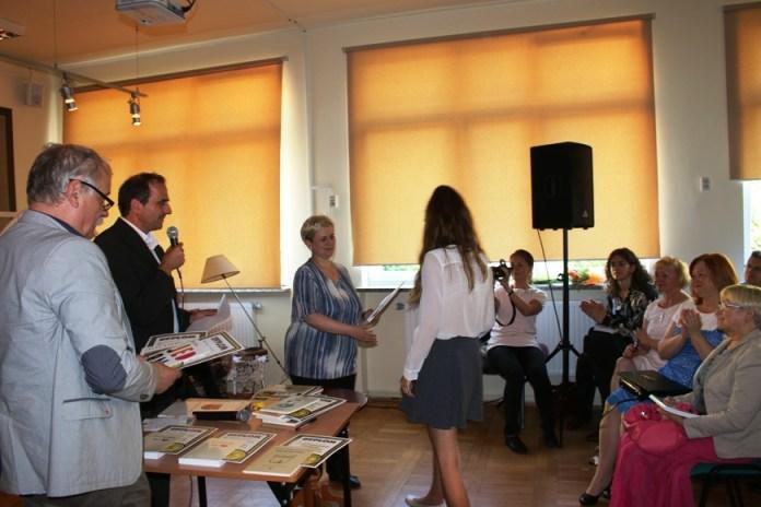 2015-06-13 Młodzi adepci pióra nagrodzeni @Gimnazjum nr 2 (fot.A.Błaszczyk)