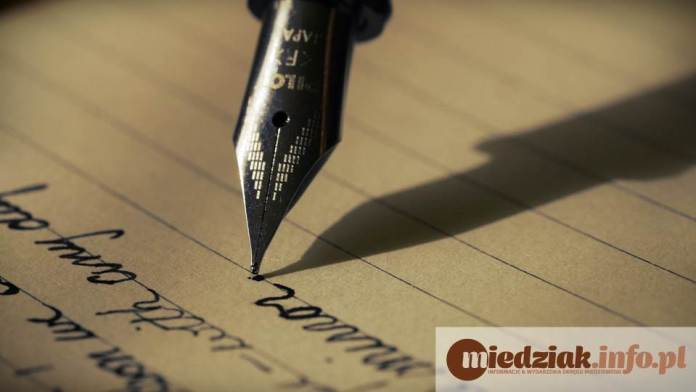 Miedziak.info.pl długopis pióro kartka pisanie kaligrafia