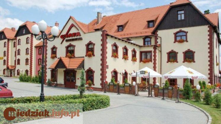 Miedziak Hotel Restauracja Chata Karczowiska Lubin 01