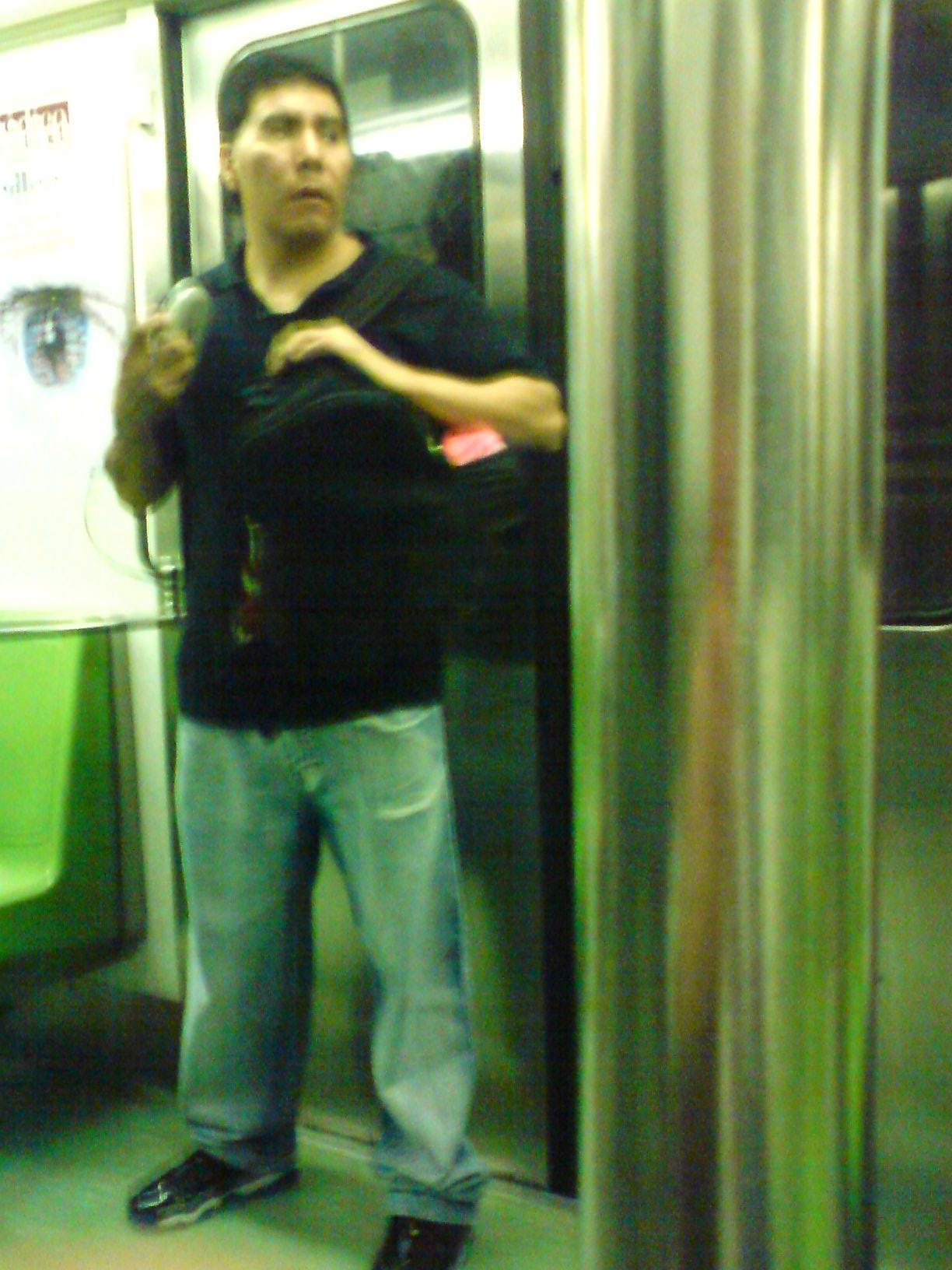 Otro vendedor en la linea 9 del metro