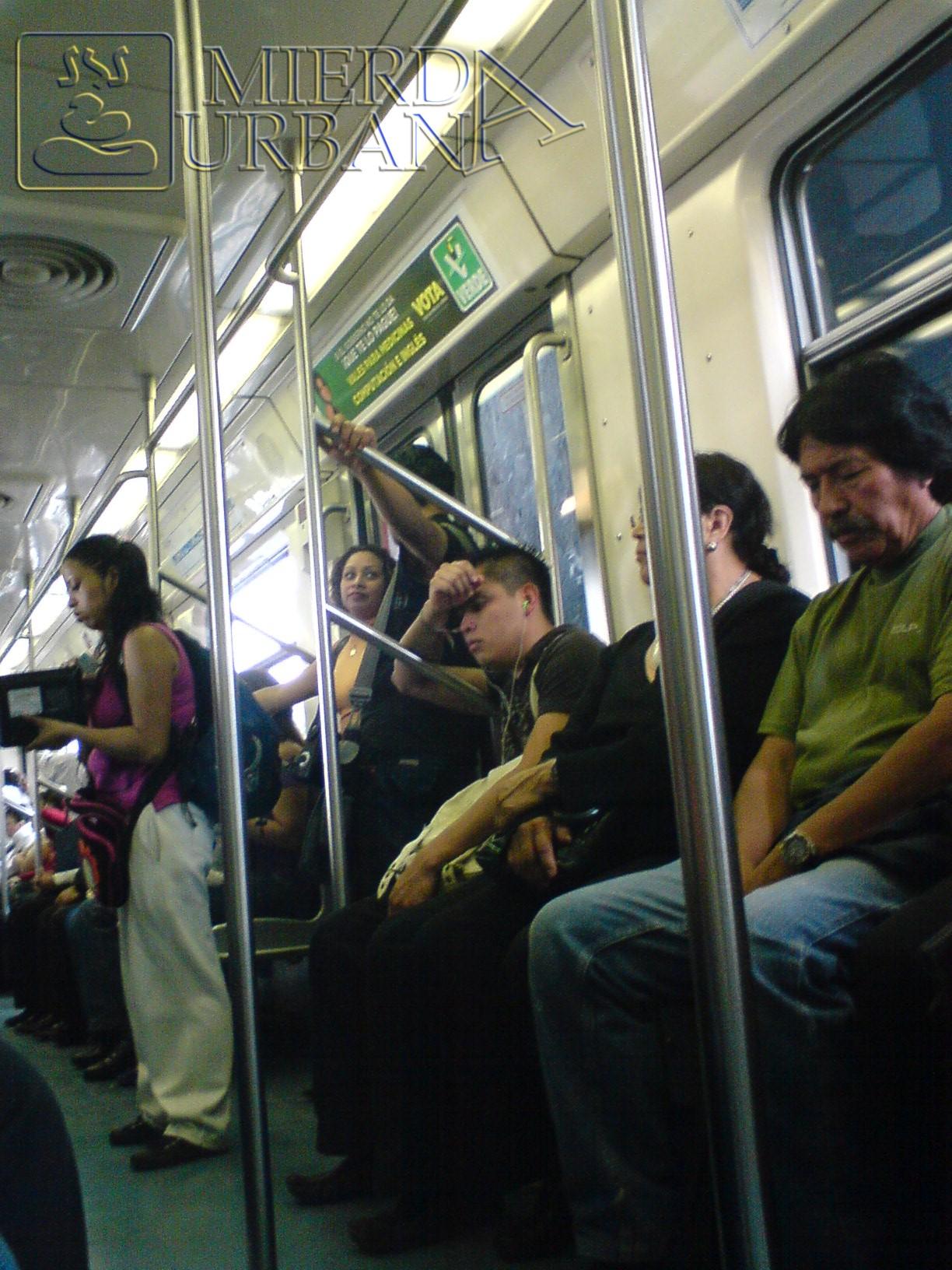 Jeton en el metro (y otro de esos vendedores)