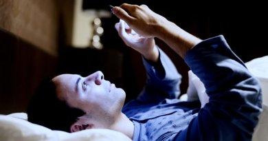 ESCAPE DIGITAL - Razones por las que no deberías usar tu móvil en la cama