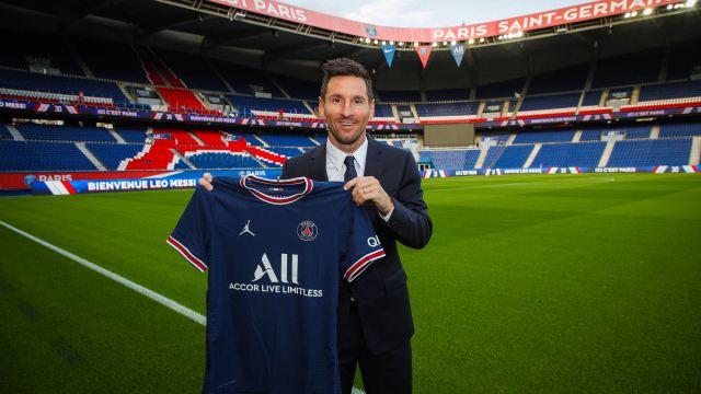 Messi firma por Paris Saint-Germain