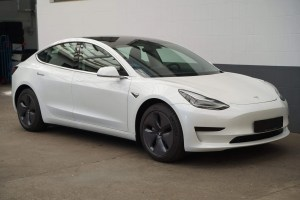 Tesla Model 3 standard range plus mieten NRW