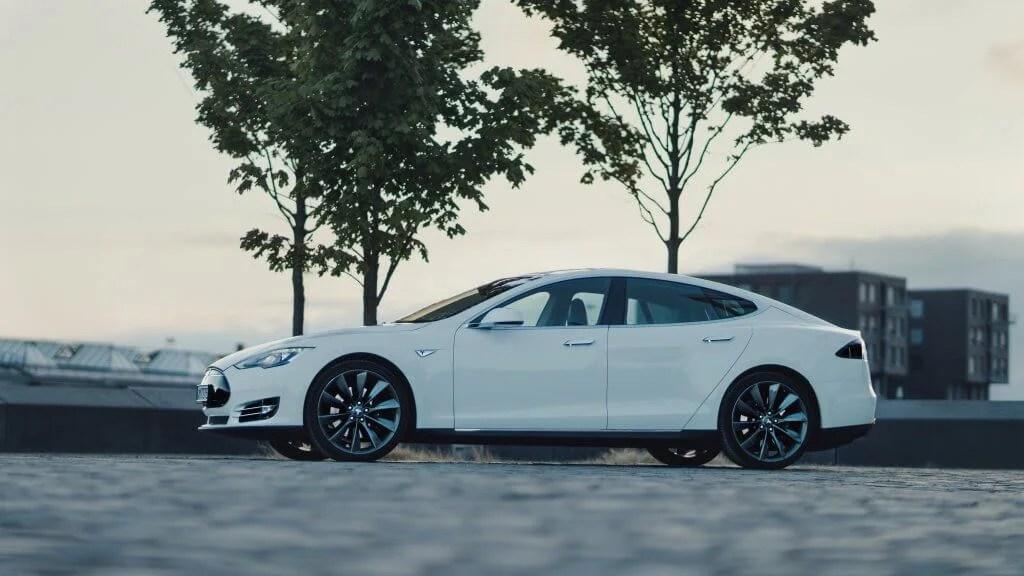 Tesla Model S85 mieten in Bremen seite