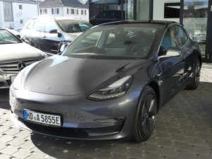 Tesla Model 3 AWD Greta