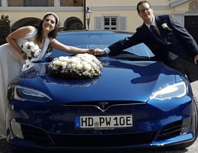 Tesla Model S 75D blau Heidelberg Hochzeit vorne