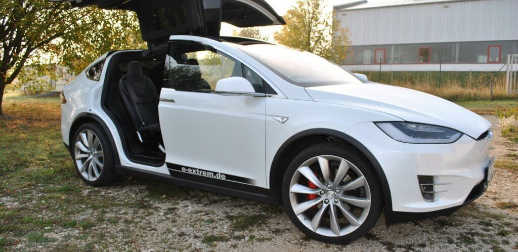 Tesla Model X P90D Performance Nürnberg Seite Flügeltüren