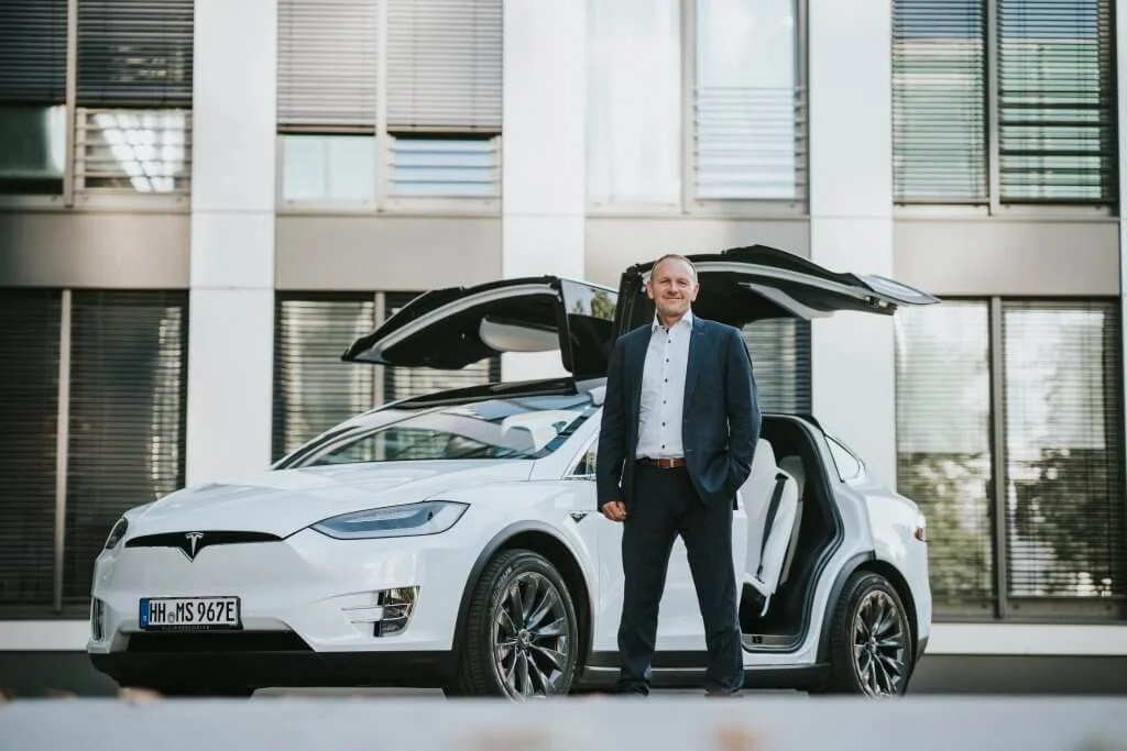 Tesla Model X mieten Hamburg Business