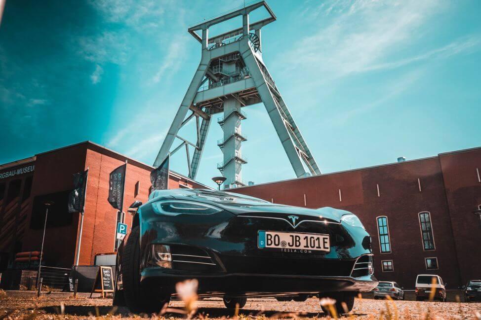 Tesla Model S 100D mieten in Bochum