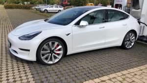 Tesla Model 3 Performance mieten Bielefeld
