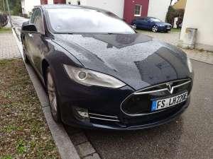 Tesla Model S mieten in Freising bei München