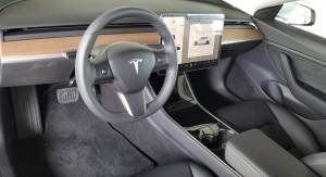 Tesla Model 3 mieten in Trier