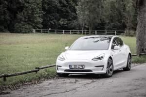 Tesla Model 3 mieten in Augsburg