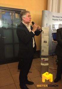 Sven Johns (Moser + Partner) ist einer der führenden Anwälte für Maklerrecht in Deutschland. Hier berät er die Makler zum geplanten Sachkundenachweis