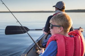 peche en kayak enfant