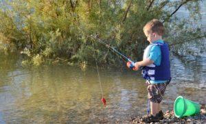 enfant qui pêcheur futur pêcheur