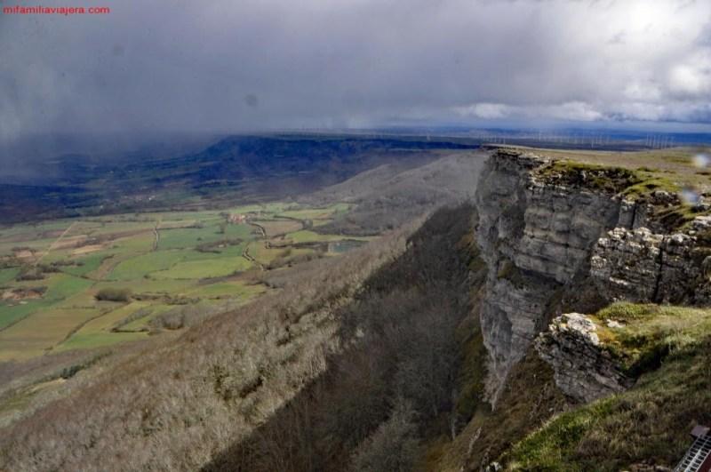 Mirador de Valcabado, Espacio Natural Protegido de Covalagua, Geoparque de Las Loras, Revilla de Pomar, Palencia