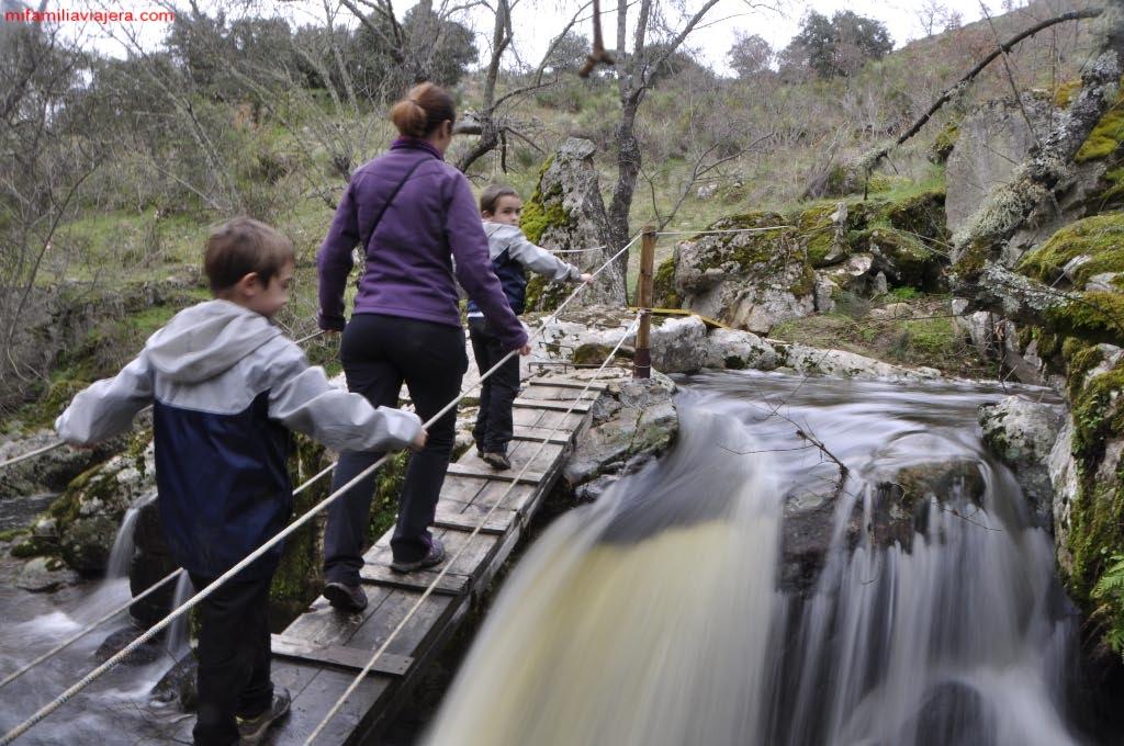 Puente sobre la Rivera de la Pescadera
