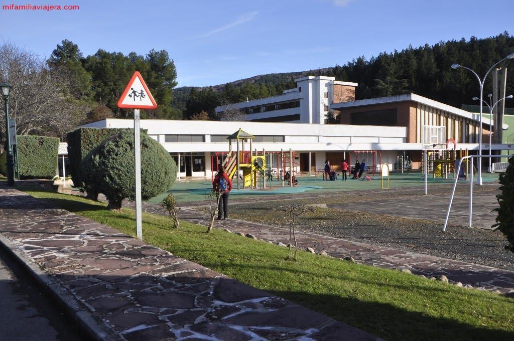 Centro de Visitantes y parque infantil