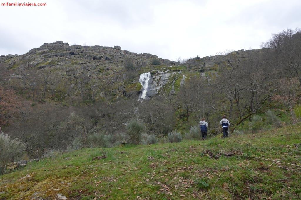 Cascada del Desgalgadero desde la finca particular