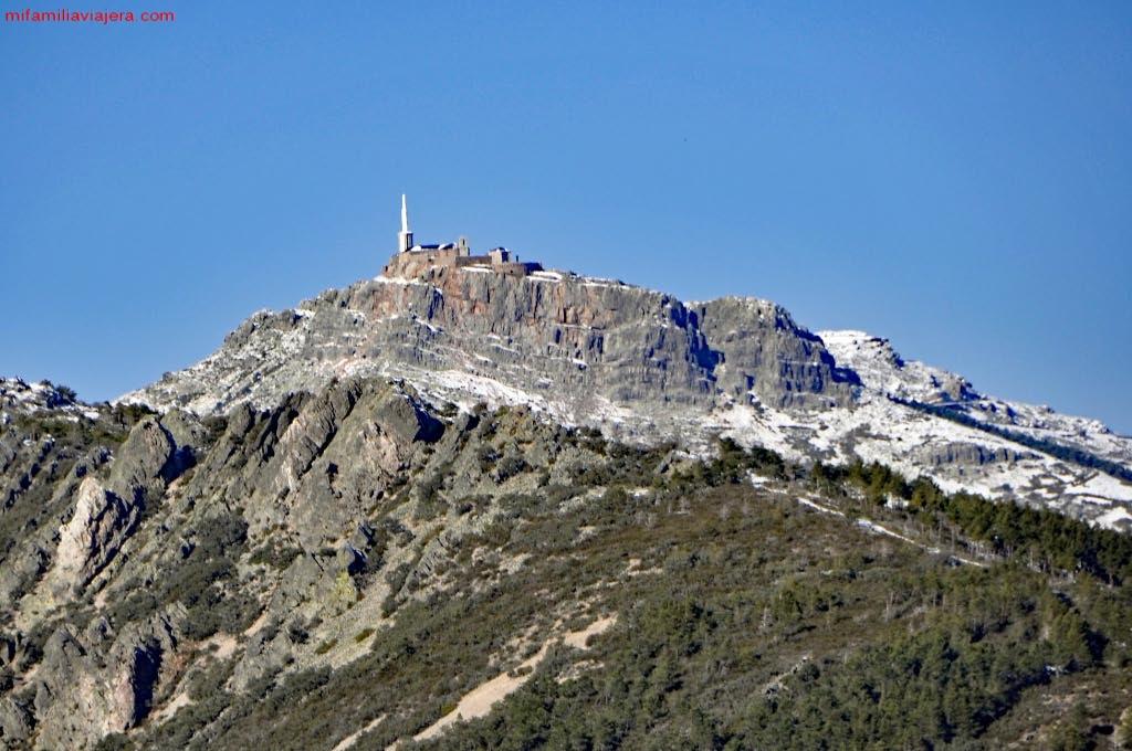 Promontorio rocoso sobre el que se alza la Peña de Francia