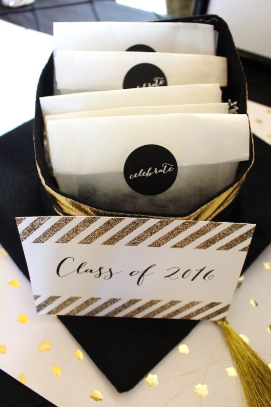 black-white-gold-graduation-party-via-karas-party-ideas-karaspartyideas-com11
