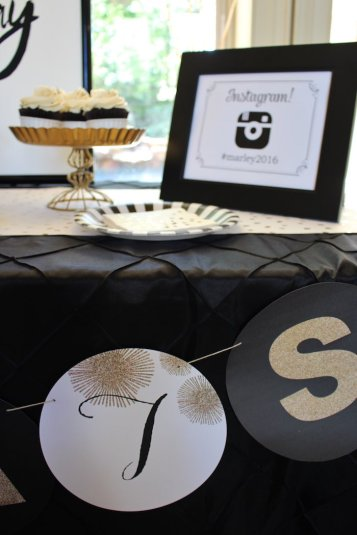 black-white-gold-graduation-party-via-karas-party-ideas-karaspartyideas-com1_