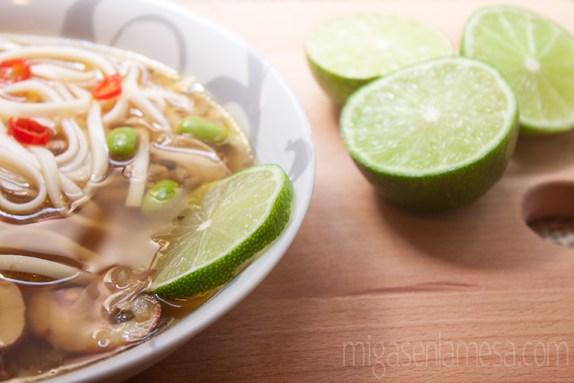 Sopa picante pollo noodles 2