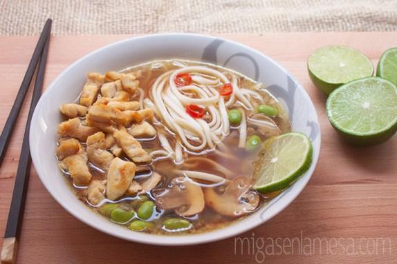 Sopa picante pollo noodles 4