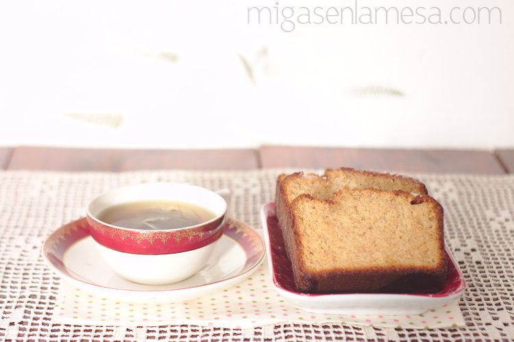 Bizcocho de yogur integral con limón
