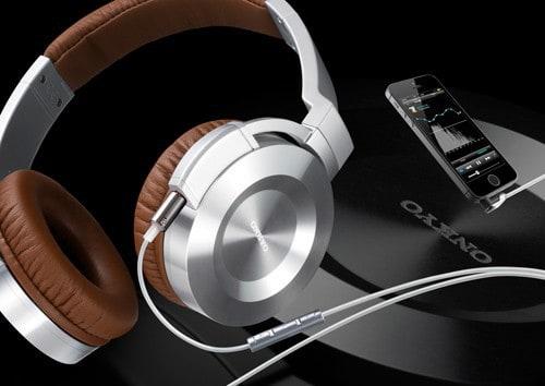 Onkyo iOS compatible headphones with high-res audio app