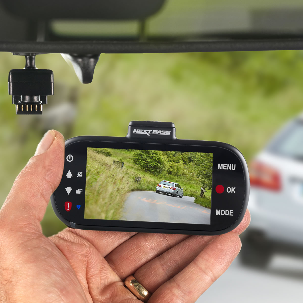 nextbase 412gw professional dashcam review. Black Bedroom Furniture Sets. Home Design Ideas