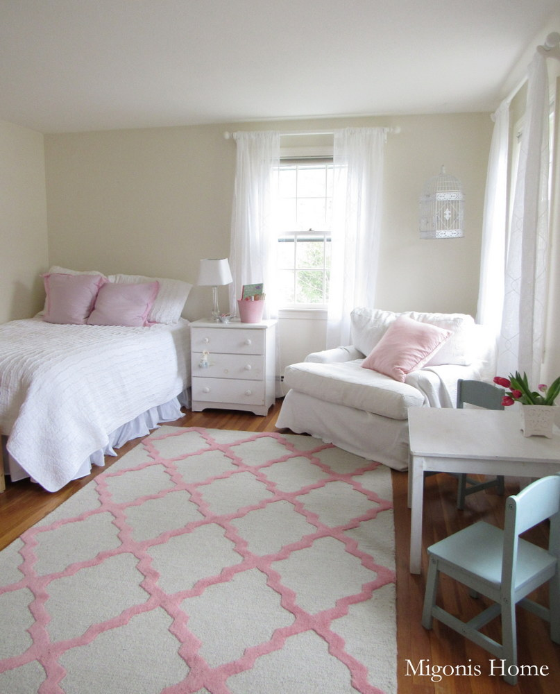 floaty white in a pink girly room migonis home