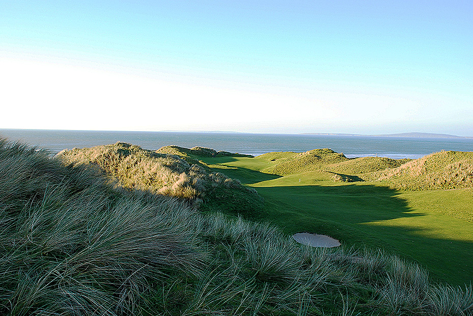 BALLYBUNION: One of the most famous and traditional Irish links courses, beautifully situated on the west coast.