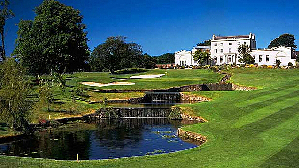 Druids Glen hosted four consecutive Irish Open in the 90s. The 18th is a fairytale of a golf hole. (Photo: Druids Glen)