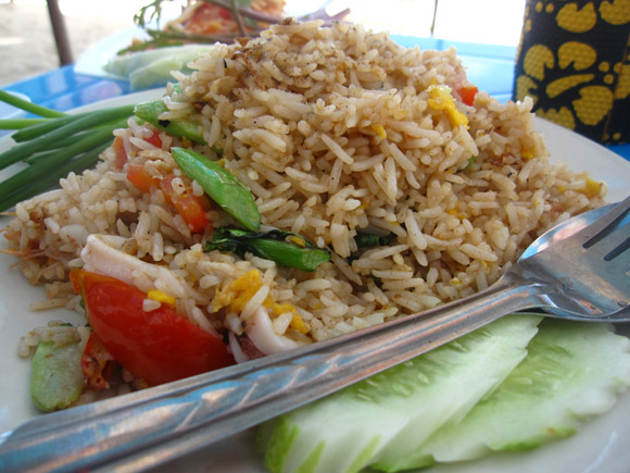 kao pad thai 100 Thai Dishes to Eat in Bangkok: The Ultimate Eating Guide