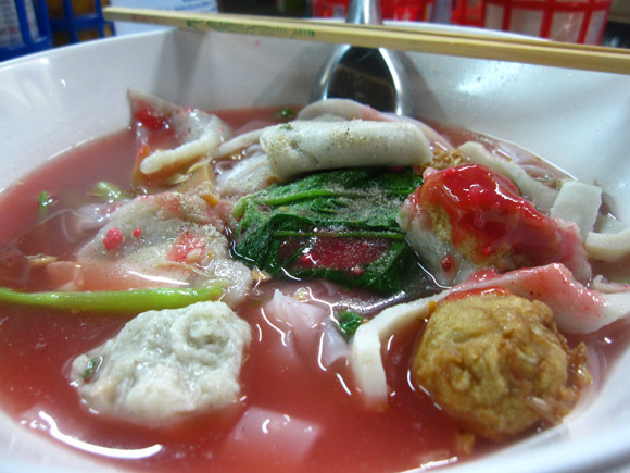 yen ta fo 100 Thai Dishes to Eat in Bangkok: The Ultimate Eating Guide