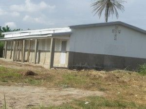 escuela-trokpadrou-costademarfil-terminada-jun-2011