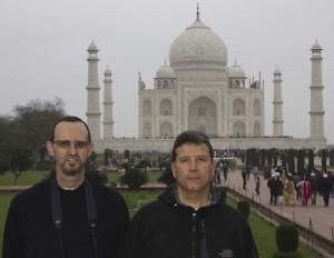Con Pedro en el Taj Mahal