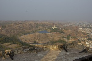 Vista del Jaswant Thada desde el Fuerte Mehrangarh.