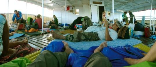 A bord de la goélette Kura Ora II, entre Papeete et Anaa