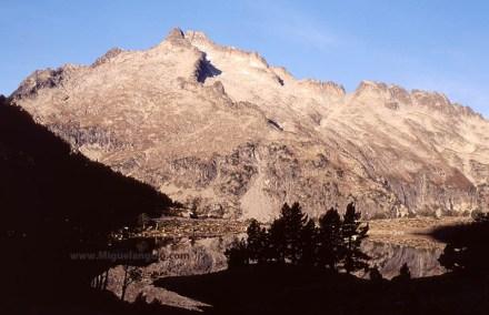Pic de Néouvielle, lac d'Aumar