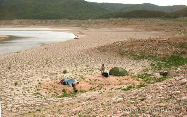 Bivouac en 2008 au pied de Montfalcó, cote 452